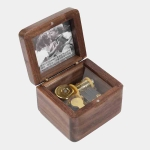 Frame Style Music Box Wooden Music Box Novelty Valentine Day Gift,Style: Walnut Gold-Plated Movement